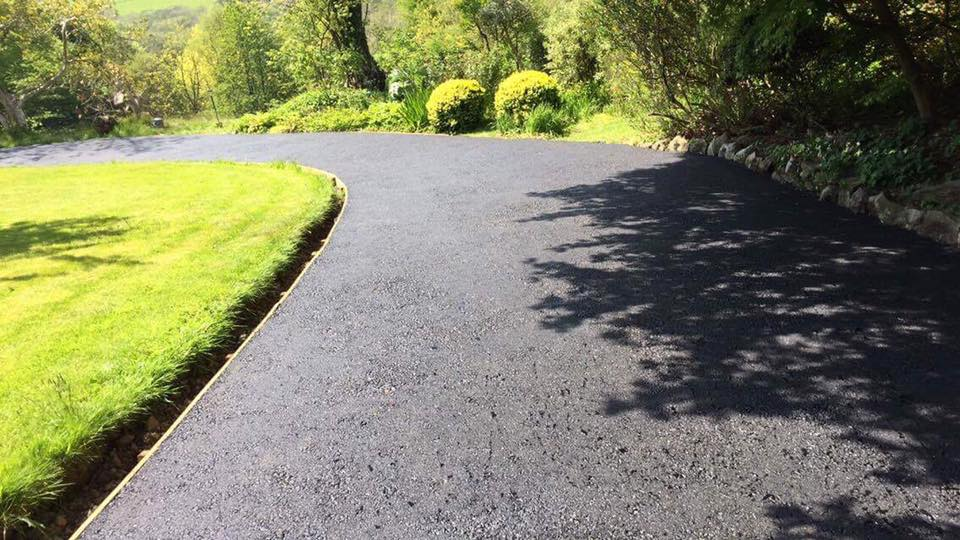 View of completed tarmac drive in Cwmgors at mid section by our Driveways Swansea specialist team